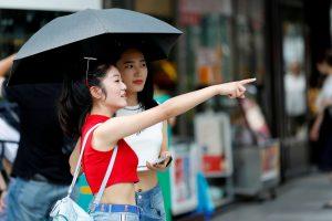 Japonijoje liūtis pakeitusi karščių banga pareikalavo 14 gyvybių