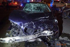Šiurpi BMW automobilių avarija Kaune: sužeisti trys žmonės