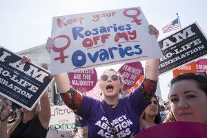 JAV teismas skyrė svarbią pergalę teisės į abortą šalininkams