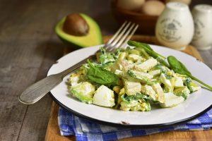 Vienas iš vasariškiausių patiekalų – salotos (receptai)
