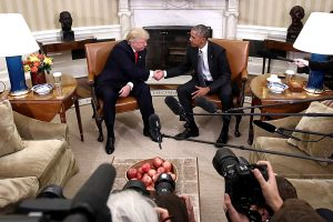 D. Trumpas atvyko į Vašingtoną ir Baltuosius rūmus susitikti su B. Obama
