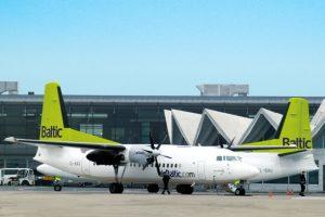 """""""AirBaltic"""" atmetė """"Estonian Air"""" nesąžiningos konkurencijos kaltinimus"""