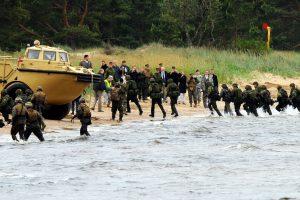 Lenkijos pajūryje nuskendo NATO pratybose dalyvavusi amfibija