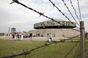 Iš nacių koncentracijos stovyklos muziejaus Lenkijoje pavogti belaisvių batai
