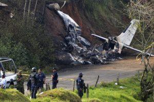 Meksikoje sudužus trims mažiems lėktuvams žuvo šeši žmonės, dar dviejų ieškoma
