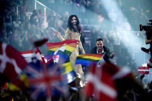 Austrijos transvestito eurovizinė pergalė Rusijoje sukėlė pasipiktinimą gėjais