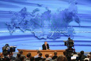 Rusija žaliavos tiekimą savo naftos perdirbimo įmonėms šiemet sumažino