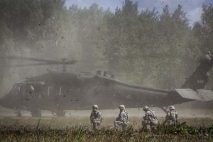Lietuvos ir JAV kariai pradėjo prieštankinių padalinių pratybas