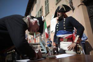 200 m. po lemiamo Napoleono pralaimėjimo: tebevyksta ginčai dėl imperatoriaus paveldo