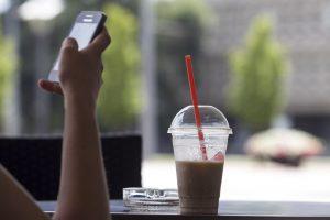 """Latvijos """"Double Coffee"""" operatorei praėję metai buvo nuostolingi"""