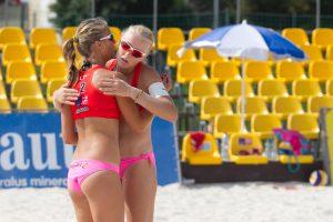I. Dumbauskaitė ir M. Povilaitytė pergalingai pradėjo turnyrą Vilniuje