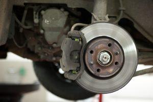 Siūloma ES atliktą automobiliių techninę apžiūrą pripažinti ir Lietuvoje