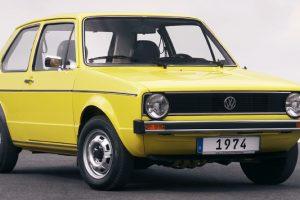 """Neeilinė """"Volkswagen"""" šventė – pirmajam lenktyniniam """"golfukui"""" jau 40"""