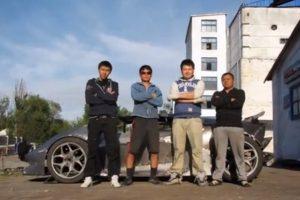 """Du vaikinai sukūrė kirgizietišką """"Lamborghini"""""""
