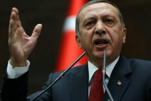 Turkijoje dėl prezidento pokalbių pasiklausymo suimti 20 žmonių