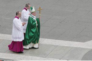 """Popiežius Pranciškus smerkia """"raupsus"""" Vatikane"""