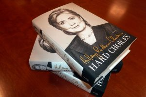H. Clinton naujoje knygoje išdėstė nuomonę apie pasaulio lyderius