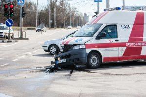 BMW ir greitosios avarija Kaune: sužeisti keturi žmonės