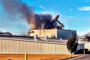 JAV per sprogimą Omahos gamykloje žuvo du žmonės