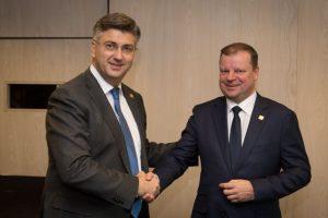 Lietuvos ir Kroatijos premjerai aptarė tiesioginių skrydžių galimybę