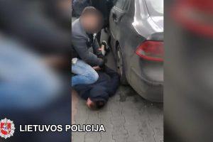 Daugybę kartų teisti vyrai Elektrėnuose būrė narkotikų mafiją (sulaikymo operacija)