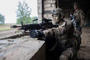 Į naujų karinių miestelių statybas nori įtraukti ir užsienio verslą