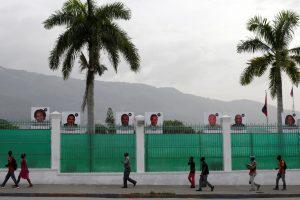 Uragano nuniokotas Haitis priverstas vėl atidėti rinkimus
