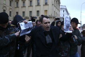 Minske per protestą prie saugumo pastato sulaikyti mažiausiai penki žmonės