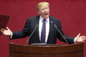 """D. Trumpas pasmerkė Šiaurės Korėjos """"žiaurią diktatūrą"""""""