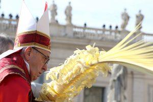 Verbų sekmadienį popiežius ragina jaunimą kalbėti garsiau
