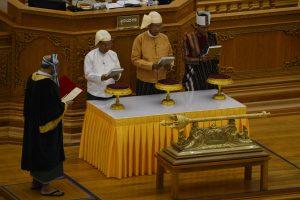 Prisaikdintas naujas Mianmaro prezidentas