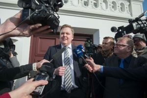 Rinkimai Islandijoje: nuversti premjerai vėl kyla