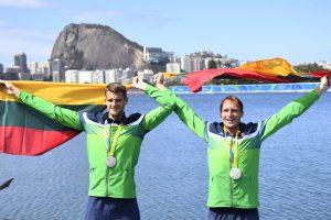 Irkluotojai medalių sieks ir Tokijuje