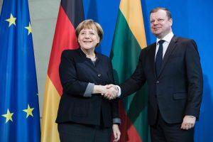 Premjeras sveikina ketvirtą kartą Vokietijos kanclere tapusią A. Merkel