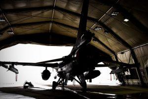 Lenkijos kariai perima NATO oro policijos misiją Baltijos šalyse