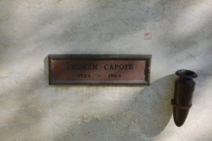 Rašytojo T. Capote pelenai aukcione parduoti už 45 tūkst. JAV dolerių