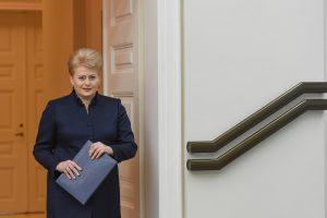Prezidentei ieškoti trečio kandidato į generalinius prokurorus ar laukti naujo Seimo?