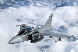 Incidentas tarp JAV ir Rusijos lėktuvų virš Baltijos jūros gali eskaluoti įtampą