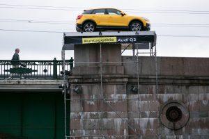 Kaip geltonas automobilis iš tiesų atsirado ant legendinio Vilniaus tilto?