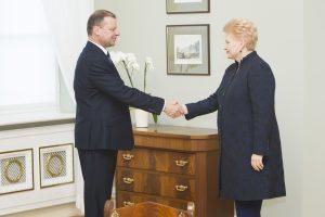 Prezidentūra norėtų, kad Vyriausybė bendradarbiautų glaudžiau