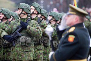 Seimas ėmėsi siūlymo pratęsti karininkų tarnybos laiką