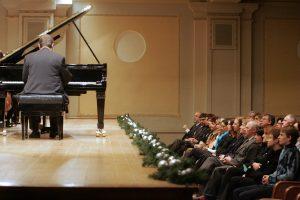 Iš koncertų ir teatrų salių dingsta publikos kultūra?