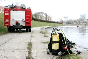 Iš Neries Vilniaus centre ugniagesiai ištraukė skenduolį