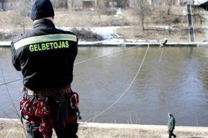 Baltijos šalių gelbėtojai mokosi kovoti su potvyniu