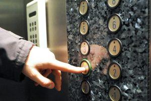 Pirmojo aukšto gyventojams už liftą mokėti nebereikės?