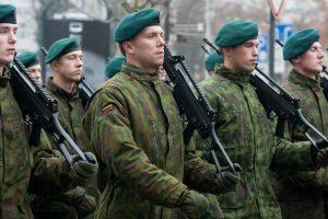 Siūlo mokestinę lengvatą ginklus perkantiems šauliams ir savanoriams