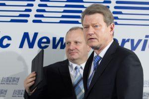 R. Paksas gina K. Komskį: iš nušauto šuns istorijos išpūtė skandalą