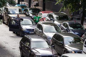 Ekspertai žino receptą, kaip sumažinti eismo spūstis