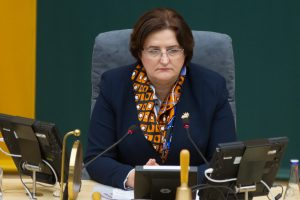 L. Graužinienė gėdina Seimą dėl nenoro mažintis išeitines