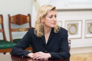 Kultūros ministrė stabdo finansavimą pagal dvi programas